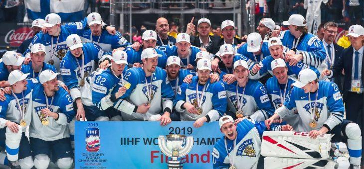Reflassa juhlittiin Suomen jääkiekon maailmanmestaruutta hienossa tunnelmassa!